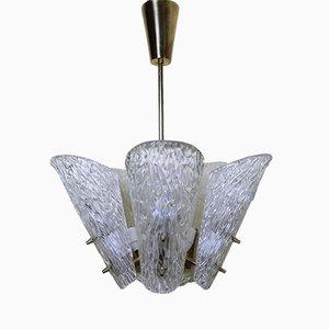 Lámpara de araña austriaca de latón y vidrio texturado de J.T. Kalmar para Kalmar, años 50