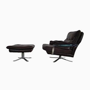 Rotbrauner Vintage Sessel aus Leder & Chrom mit Hocker von Arne Norell für Vatne
