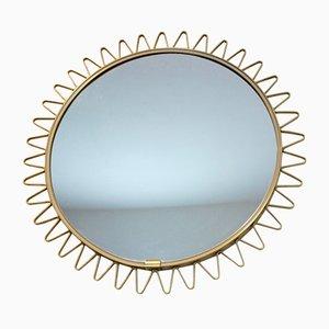 Espejo Mid-Century con marco de latón con forma de rayos de sol