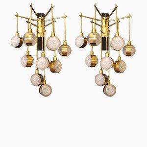 Lámparas de araña italianas Mid-Century alargadas de latón y vidrio, años 70. Juego de 2