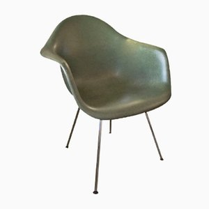 Grüner Vintage Fiberglas Stuhl von Charles & Ray Eames für Vitra