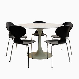 Tavolo da pranzo Tulip con superficie in marmo di Eero Saarinen per Knoll International, anni '60