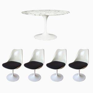 Tavolo da pranzo Tulip vintage con ripiano in marmo e 4 sedie girevoli di Eero Saarinen per Knoll International