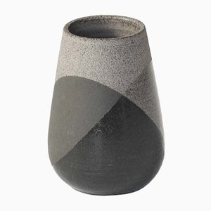 Jarrón Shake pequeño en gris y negro de Anja Borgersrud para Anbo Design
