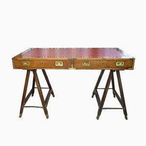 Britischer Vintage Schreibtisch aus Mahagoni & Leder