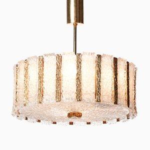 Lámpara de araña Mid-Century de latón dorado y vidrio escarchado con nueve luces de J.T. Kalmar