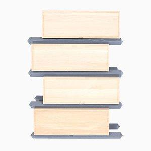 Stapelbare Vierteilige Versetzte Holz Schubladen von Debra Folz Design