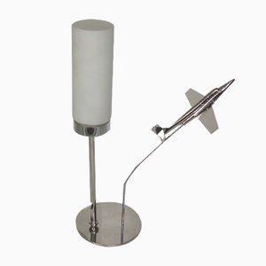 Lámpara de mesa Mid-Century de latón con avión, años 50