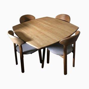 Tavolo da pranzo e quattro sedie Mid-Century di Juul Kristensen