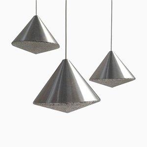 Lámparas de araña Mid-Century de vidrio con forma de cono, años 70. Juego de 3
