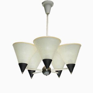 Lámpara de araña francesa en blanco y negro de metal
