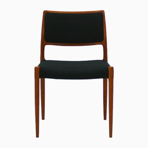 Sedia modello nr. 80 Mid-Century in teak di Niels Otto Møller per J.L. Møller, Danimarca