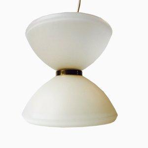 Lampada a sospensione a forma di diabolo modernista in vetro opalino con cerchio in ottone, anni '60