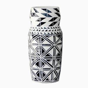 Vase Angulaire Classique par Dana Bechert