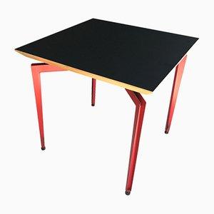 Mesa negra y roja, años 80