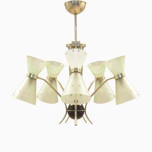 Lámpara de araña francesa Mid-Century de latón y vidrio con forma de diábolos
