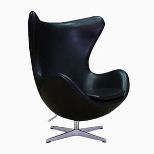 Vintage Egg Chair in Black Leather by Arne Jacobsen for Fritz Hansen