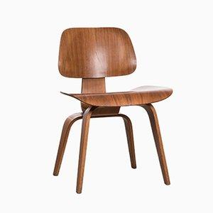Chaise de Salon DCW en Noyer par Charles & Ray Eames pour Herman Miller, 1952