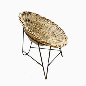 Silla GDR vintage con forma de cesta de ratán