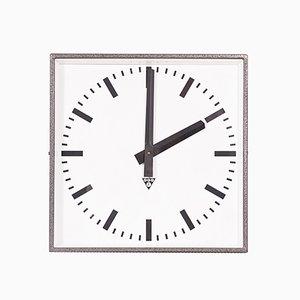 Horloge Murale C 401 Industrielle de Pragotron, République Tchèque, 1980s
