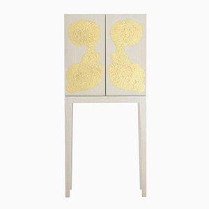 Vitrina de madera de fresno blanca y pan de oro de Philippe Cramer, 2012