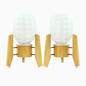 Lámparas de mesa de vidrio blanco y madera de Drevo Humpolec, años 60. Juego de 2