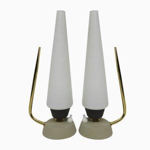 Lámparas de mesita de noche italianas de vidrio opalino y latón, años 50. Juego de 2