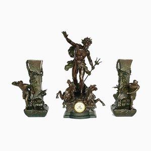 Reloj y jarrones franceses antiguos en forma de Neptuno de zinc de L & F Moreau