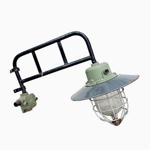 Lámpara de pared industrial alemana vintage, años 40