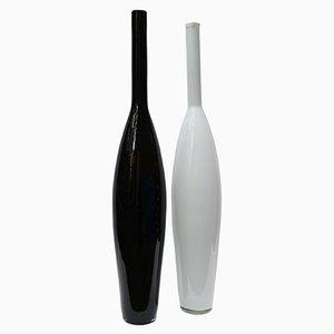Botellas de cristal de Murano negro y blanco, años 70. Juego de 2