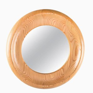 Specchio rotondo con cornice in pino di Erik Höglund per Kopparfly, Svezia
