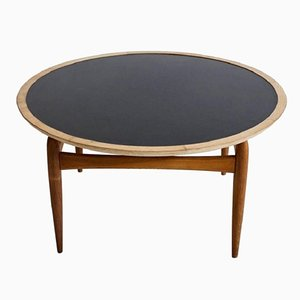 Mid-Century Round Oak Coffee Table by Ludvig Pontoppidan