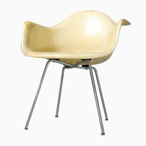 Butaca SAX con borde de cuerda de Charles & Ray Eames para Zenith Plastics, años 50