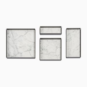 Vassoi modulari Fontane Bianche in marmo bianco di Carrara di Elisa Ossino per Salvatori