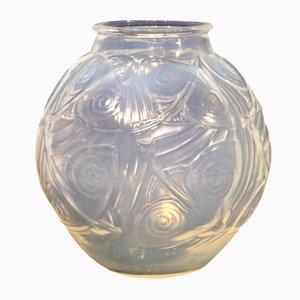 Opalisierende Art Deco Fisch Vase von Marius Sabino, 1929