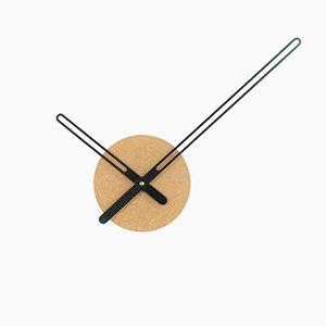 Reloj de barrido continuo en ocre y negro de Christopher Konings para Nordahl Konings, 2017
