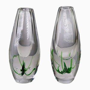 Jarrones Seagrass Mid-Century artísticos de vidrio de Vicke Lindstrand para Kosta, 1963. Juego de 2