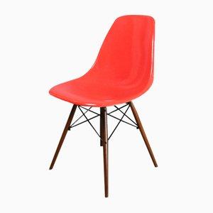 Chaise DSW Rouge et Orange par Charles & Ray Eames pour Herman Miller, 1960s