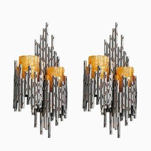 Lámparas de pared brutalistas de hierro con pantallas de vidrio naranja de Marcello Fantoni. Juego de 2