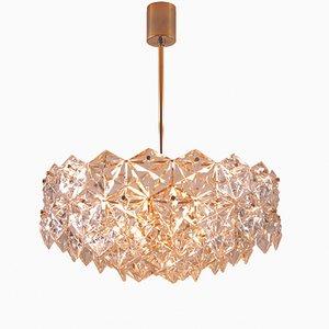 Lámpara de araña dorada de cinco pisos con cristales hexagonales de Kinkeldey, años 60