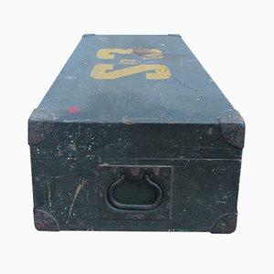 Caja de madera con tiradores de metal, años 30