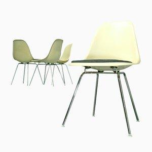 Sedie in fibra di vetro con base a forma di H di Charles & Ray Eames per Vitra, anni '70, set di 4, anni '80