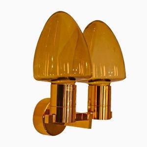 Lámpara de pared vintage de dos brazos de vidrio y latón de Hans-Agne Jakobsson