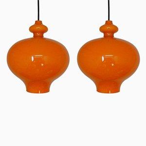 Lámparas colgantes de vidrio naranja de Hans Agne Jakobsson, años 60. Juego de 2