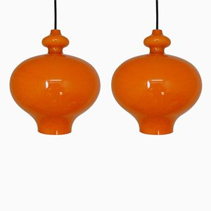 Lampes à Suspension en Verre Orange par Hans Agne Jakobsson, 1960s, Set de 2