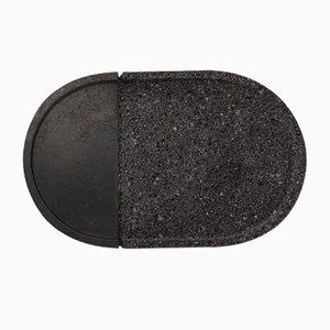 Ovales Lava Tablett aus Vulkangestein von Caterina Moretti & Ana Saldaña für Peca