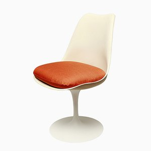 Sedia Tulip di Eero Saarinen per Knoll International, 1964