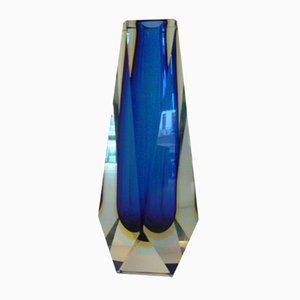 Jarrón vintage de cristal facetado Sommerso azul intenso y ámbar de Alessandro Mandruzzato
