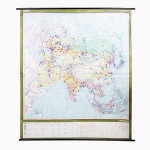 Mappa vintage raffigurante la suddivisione economica in Asia, anni '70