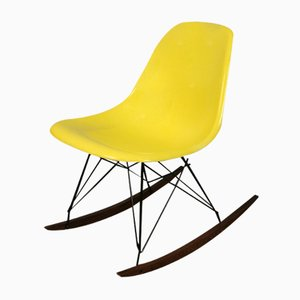 Rocking Chair Vintage Jaune par Charles & Ray Eames pour Herman Miller